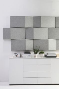 Acoustic wall tx with charcoal felt - Sound absorption/angled reflection Acustic Panels, Interior Walls, Interior Design, Acoustic Wall Panels, Wood Panel Walls, Sound Proofing, Office Interiors, Wall Decor, House Design