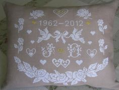 Wedding Cross Stitch Patterns, Cross Stitch Samplers, Le Point, Needlepoint, Crochet Projects, Needlework, Wedding Gifts, Creations, Throw Pillows