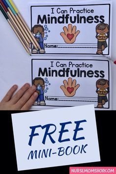 health education FREE mindfulness mini-book to help kids learn about mindfulness practices - deep breathing tools - anxiety tools for children - encourage mindfulness for kids - elementary school counseling - teach mindfulness in classrooms Mindfulness Books, Mindfulness For Kids, Social Emotional Learning, Social Skills, Elementary School Counseling, Elementary Schools, Teaching Kids, Kids Learning, Character Education