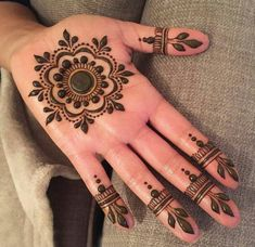 Latest 50 Eid Mehndi Designs for 2020 - Mehendi Designs - Henna Designs Hand Round Mehndi Design, Palm Mehndi Design, Mehndi Designs For Girls, Indian Mehndi Designs, Mehndi Designs For Fingers, Mehndi Design Photos, Henna Designs Easy, Beautiful Mehndi Design, Latest Mehndi Designs