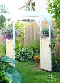DIY Arbor and Trellis Ideas for your Garden Have a few old doors lying around? Turn them into a beautiful garden arbor!Have a few old doors lying around? Turn them into a beautiful garden arbor! Outdoor Projects, Garden Projects, Garden Ideas, Patio Ideas, Garden Tips, Pallet Projects, Backyard Ideas, Door Arbor, Door Gate