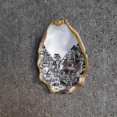 Seashell Painting, Seashell Art, Seashell Crafts, Beach Crafts, Stone Painting, Oyster Shell Crafts, Oyster Shells, Rock Crafts, Diy And Crafts