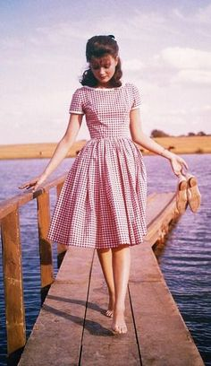 Pamela Tiffin - love her outfits in State Fair. Fashion 90s, 1950s Fashion, Modest Fashion, Look Fashion, Vintage Fashion, Dress Fashion, High School Fashion, Womens Fashion, Fashion Rings