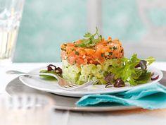 Lachstartar auf Kartoffel-Gurken-Salat