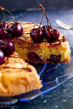 Prajitura cu cirese si ciocolata Romanian Desserts, Sweets Recipes, Sweet Treats, Deserts, Food And Drink, Garden, Sweets, Kitchens, Romanian Recipes