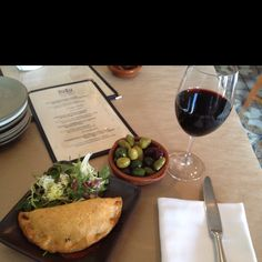 #Wine Country Travel Tip: 4 authentic tapas try Zuzu in #Napa. Med olives, Mushroom Empanadas & Rioja Tempranillo