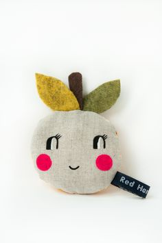Mini 'Happy Apple' pocket pals - Pink cheeks