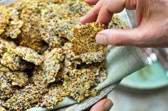 Kijk wat een lekker recept ik heb gevonden op Allerhande! Pascale Naessens' parmezaanchips met zaadjes