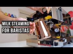 Milk Steaming For Latte Art - Barista Tutorial Coffee Carts, Coffee Drinks, Barista, Coffee Latte Art, Best Espresso, Bakery Cafe, Coffee Time, Helpful Hints, Brewing