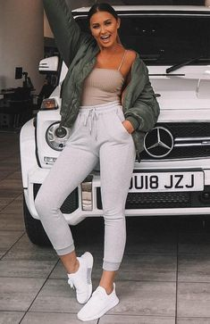 Lover Boy Sweatpants Grey fashion teenage ideas to look cool and fashionable Cute Sporty Outfits, Cute Sweatpants Outfit, Legging Outfits, Chill Outfits, Swag Outfits, Trendy Outfits, Fashion Outfits, Athleisure Outfits, Sporty Chic