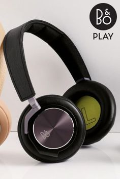 Got a music lover in the family? Spoil your dad this Father's Day to these Black B&O Play H6 headphones.