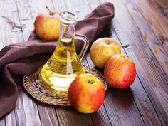 Apple Cider Vinegar Benefits The health benefits of apple cider vinegar can do a world of wonders fo Apple Cider Vinegar Shampoo, Apple Cider Vinegar Benefits, Homemade Toner, Tonic Drink, Bacon, Apple Health Benefits, Beauty Vitamins, Green Superfood, Fiber Rich Foods