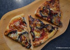 Pizza cu vinete si ardei copt – reteta vegetariana Mozzarella, Vegetable Pizza, Quiche, Bread, Vegetables, Recipes, Pie, Vegetable Recipes, Veggie Food