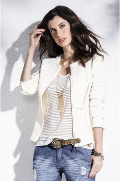 Blazer Com Textura Diferenciada E Recortes Em Renda Vazada | Blazers | Feminino | DZARM.