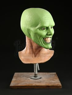 Today's throwback piece is smmokkinnnn'! This amazing Jim Carrey Reference Head from The Mask (1994) was one of our favourite lots sold in our Greg Cannom Auction back in 2016.  #JimCarrey #TheMask #GregCannom #TBT #PropStore