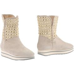 D'acquasparta Ankle Boots ($113) ❤ liked on Polyvore featuring shoes, boots, ankle booties, beige, beige wedge booties, wedge ankle booties, short boots, wedge bootie and wedge boots