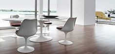 Table Saarinen by Knoll