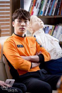 Seungri x Angel Eyes Seungri, Bigbang, Korean K Pop, Photo Sketch, Korean Bands, Angel Eyes, Flower Boys, Korean Singer, Boy Groups