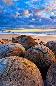 Travel Inspiration for New Zealand - The Moeraki Boulders (Dragon Eggs) In Koekohe Beach, New Zealand