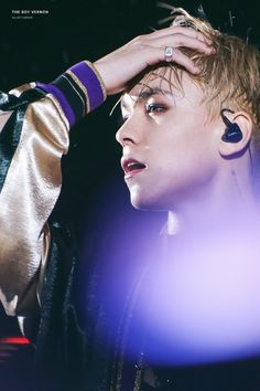 #VERNON #SEVENTEEN 1st World Tour 'DIAMOND EDGE' in Seoul Day 2 #170715 © Adoring_SVT | Twitter ♡