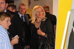 Il sindaco di Manzano Lidia Driutti in visita ad una delle installazioni di IWD Italian workshop Design 2012 ospitate nella meravigliosa location dell?abbazia di Rosazzo nel comune di Manzano UD Italty.