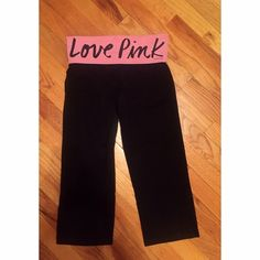 PINK yoga crops In excellent used condition. So cute! Wish they still fit me PINK Victoria's Secret Pants Leggings
