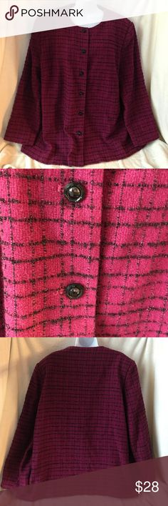 Alfred Dunner Lined Blazer, Size 22W This blazer is in great condition.  It has been dry cleaned. It is 95% acrylic and 5% metallic. The lining is 100% polyester and a dry clean only product. Alfred Dunner Jackets & Coats Blazers