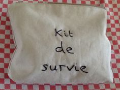 Little pouch made by little sister Anneke for me// petite trousse faite par petite sœur Anneke pour moi.