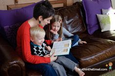 Reading the Bible with your kids {using Truth in the Tinsel}