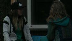 De Laura's lachen Tineke uit.