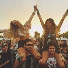 The festival is so much better with your bestie #festiebesties #Coachella
