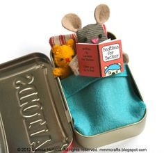 mmmcrafts ~ wee mousie with his own teensy bedtime book