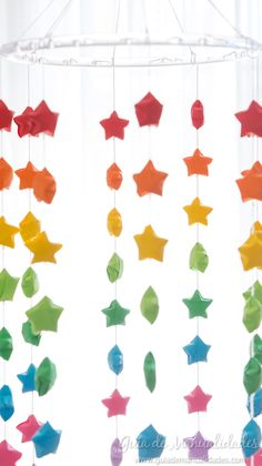 Colorful mobile with origami stars - The Handmade Crafts Origami Stars, Diy For Kids, Paper Crafts, Curtains, Shower, Prints, Alice, Tips, Paper Stars