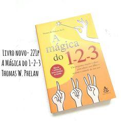 """Livro """" A Mágica do 1-2-3""""  Thomas W Phelan - 221p PROMOÇÃO NAMORADOS ❤DE R$22,90 POR 14,90  SINOPSE Dividido em três passos, este livro trata-se de um programa que apresenta estratégias para administrar o comportamento de crianças de 2 a 12 anos. No primeiro passo - Controlando o comportamento indesejável - o leitor poderá aprender uma técnica para lidar com os comportamentos indesejáveis (choramingos, manhas, discussões e explosões de raiva.). No segundo - Estimulando o bom comportamento…"""