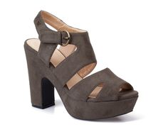 70s style platform suede look sandals from in grey from CASTRO's #flavorsoffall fashion show