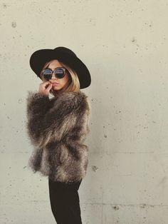 Faux fur + wide brimmed hat + sunnies
