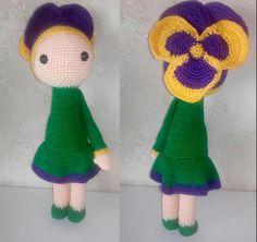 Pansé Vicky bambola fiore fatto a mano da Noriana M - Istruzioni per uncinetto by Zabbez