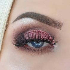 Pretty in Pink Gorgeous and shimmering pink glam eye look from working with our opulent The Opera Eyeshadow Palette in this look. Cruelty-Free Certified under the Leaping Bunny Programme. Blue Eyeshadow Looks, Makeup Eye Looks, Glitter Eyeshadow, Eyeshadow Makeup, Eyeshadow Palette, Silver Eyeshadow, Gold Eyeliner, Makeup Eraser, Glitter Liner