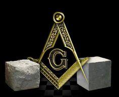 la pierre brute et la pierre travaillée