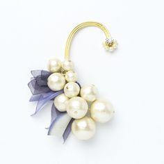 イヤーフック earring