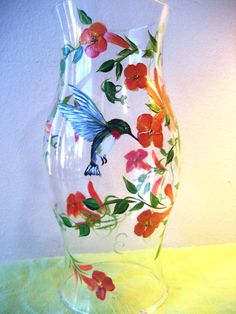 Hand Painted Hurricane with Hummingbird and Trumpet Flower Painted Glass Bottles, Painted Vases, Painted Wine Glasses, Hand Painted, Paper Flower Vase, Flower Vases, Diy Flower, Hummingbird Painting, Red Vases