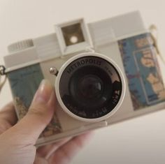 Your camera can also be a reminder to go outside and capture more memories. 28 Inspiring Decor Ideas To Satisfy Your Wanderlust Home Inside Design, Travel Room Decor, You Are Home, Gadgets, Multiple Exposure, Electronic Gifts, Lomography, Travel Themes, Go Outside