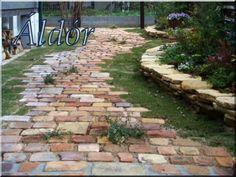 Garden Paths, Garden Tools, Patio Garden Ideas On A Budget, Backyard Ideas, Backyard Kitchen, Side Yards, Forest House, Stepping Stones, Landscape Design