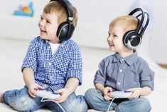 Conventional wisdom may still say video games are a bad thing, but the evidence is slowly piling up: moderate video gaming is associated with emotional and intellectual intelligence. Video Games For Kids, Kids Videos, Dinner Recipes For Kids, Kids Meals, Suit Card, Crockpot Spaghetti And Meatballs, Card Tattoo, Easy Chicken Curry, Homemade Black
