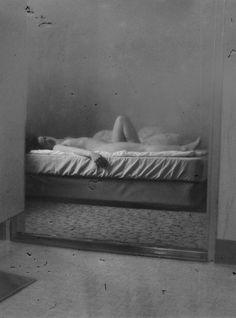 Daisuke Yokota è il giovane fotografo vincitore del Foam Paul Huf Award 2016 Body Photography, Figure Photography, Portrait Photography, Japanese Photography, Francesca Woodman, Photo D Art, Erotic Art, Black And White Photography, Human Body