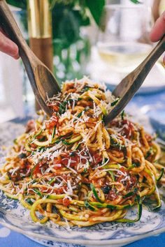 Slutty No-Carb Pasta (A delicious Puttanesca Sauce over spiralizer zucchini) The Londoner Zoodle Recipes, Low Carb Recipes, Vegetarian Recipes, Cooking Recipes, Healthy Recipes, Best Zoodle Recipe, Diet Recipes, Anchovy Recipes, Veggetti Recipes