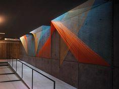 Arte y Arquitectura: Prisma, hilos que conducen al ilusorio espacio geométrico por Inés Esnal