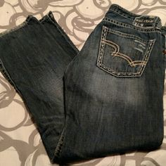 "Big Star ""Dylan"" jeans Big Star Dylan Boyfriend jeans. 29L. Very cute and super comfy. Great medium wash, perfect with everything! Big Star Jeans Boyfriend"