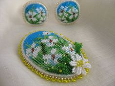 Brooch and clip-on earrings set. Bead by MilenasBoutique on Etsy