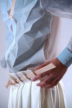 #theshinysquirrelpinterest Origami Fashion, 3d Fashion, Fashion Details, Fashion Design, Fashion Trends, Dress Fashion, Fashion Spring, Fashion Outfits, Textiles